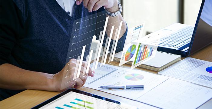 Canada job market analysis - Finance